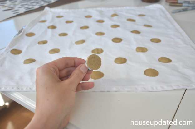 how to paint a gold dot pillow 1