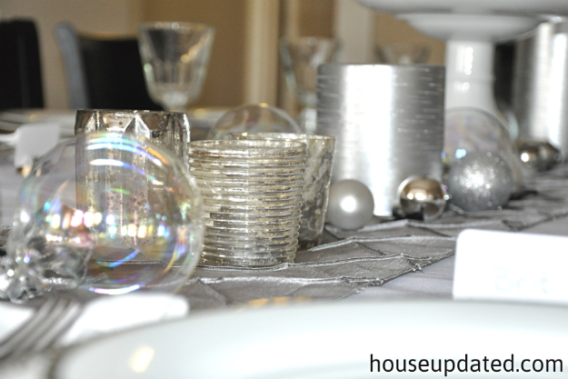 holiday table ornaments
