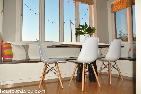 white eames chairs modern table