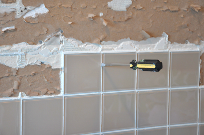 remove tile leverage fulcrum - Removing Tile Backsplash
