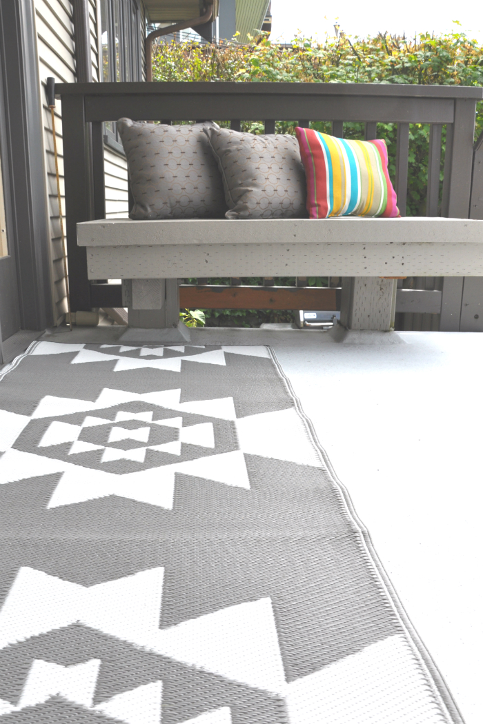 cb2 outdoor gray white runner