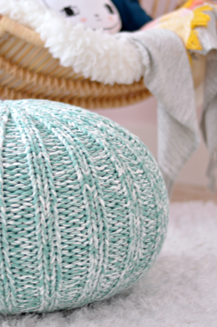 knit pouf turquoise