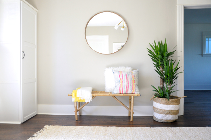 entry bench round mirror