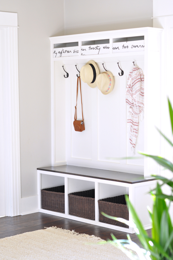 entry storage bench angle
