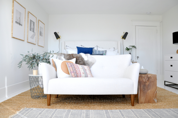 article-happy-sofa-white-bedroom