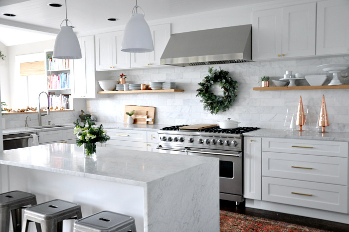 white-holiday-kitchen-wreath