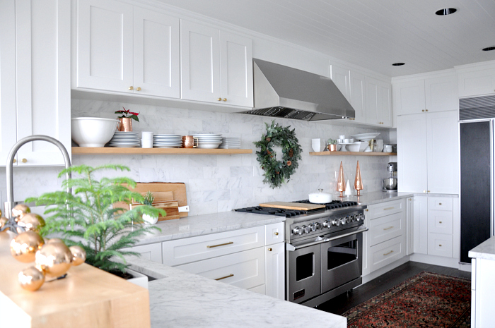white-holiday-kitchen